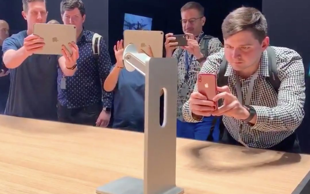 What Apple's $1000 monitor stand is really about